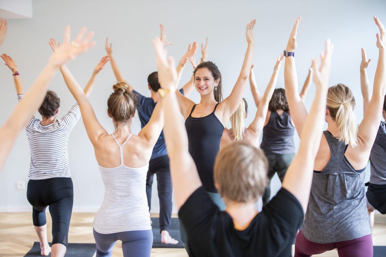 zum ersten Mal im Hanuman Yoga Basel Vinyasa Yoga Yin Yoga Power Yoga